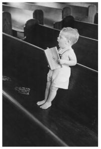 child_in_church